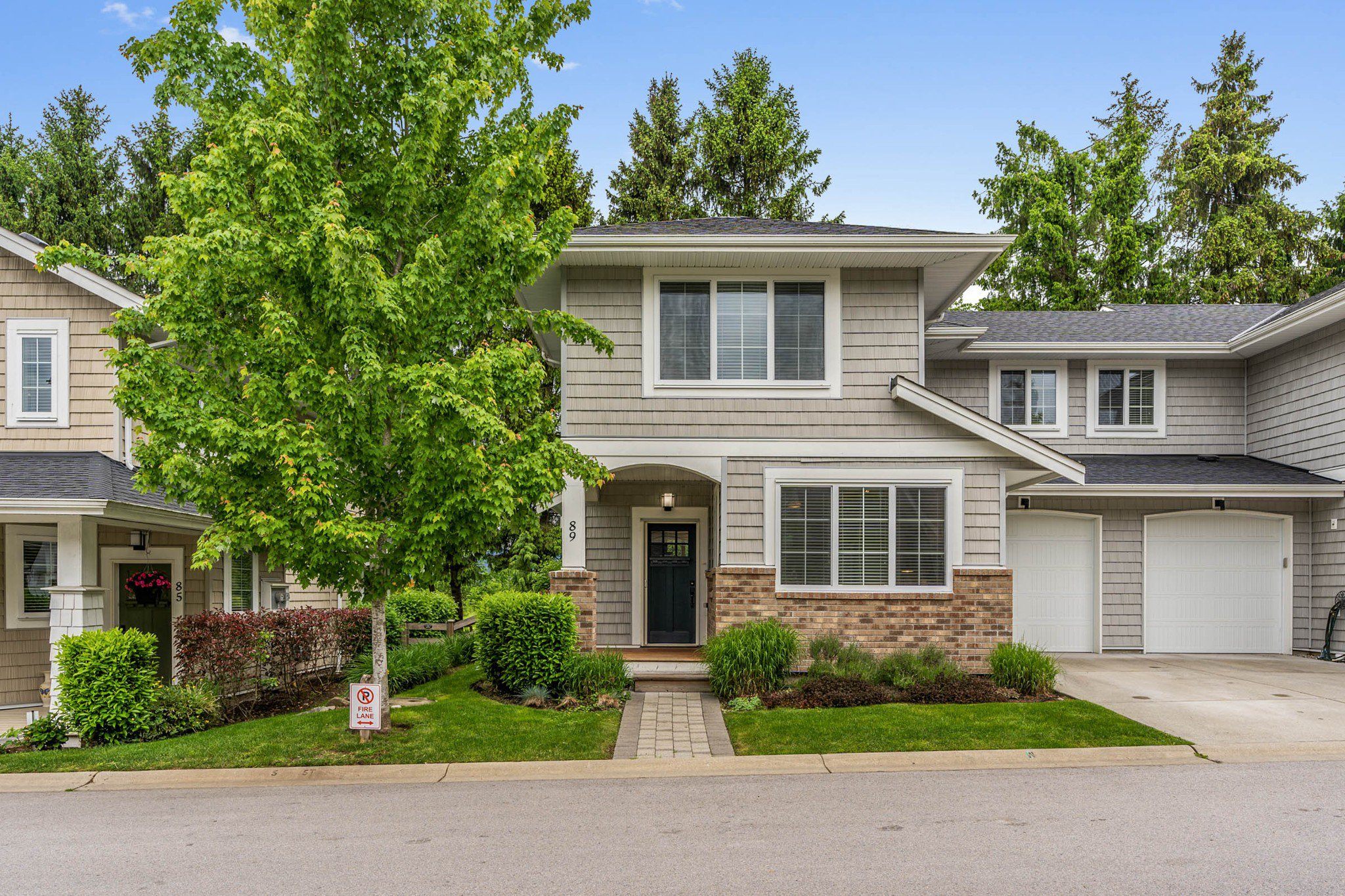 """Main Photo: 89 12161 237 Street in Maple Ridge: East Central Townhouse for sale in """"VILLAGE GREEN"""" : MLS®# R2458222"""