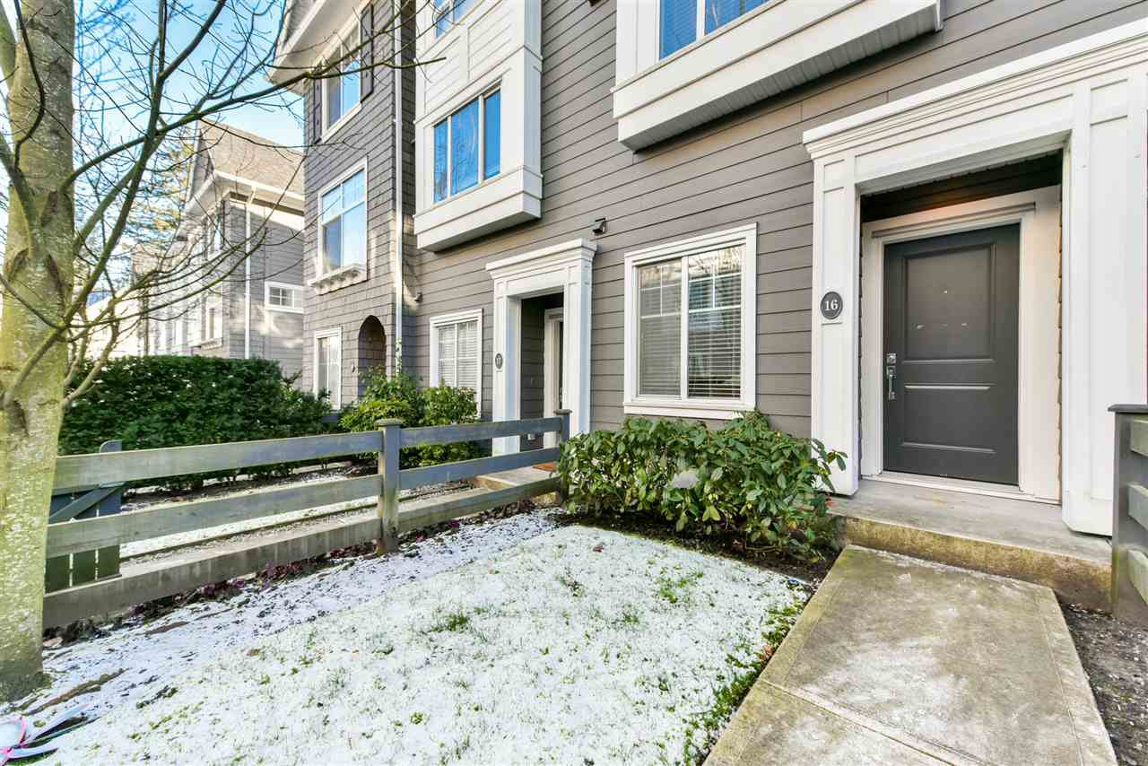 "Main Photo: 16 14955 60 Avenue in Surrey: Sullivan Station Townhouse for sale in ""CAMBRIDGE PARK"" : MLS®# R2474934"
