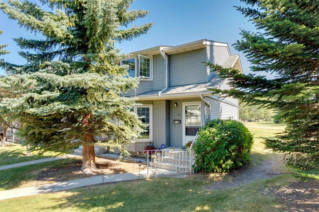 Main Photo: 57 BERMUDA Lane NW in Calgary: Beddington Heights Row/Townhouse for sale : MLS®# A1024812