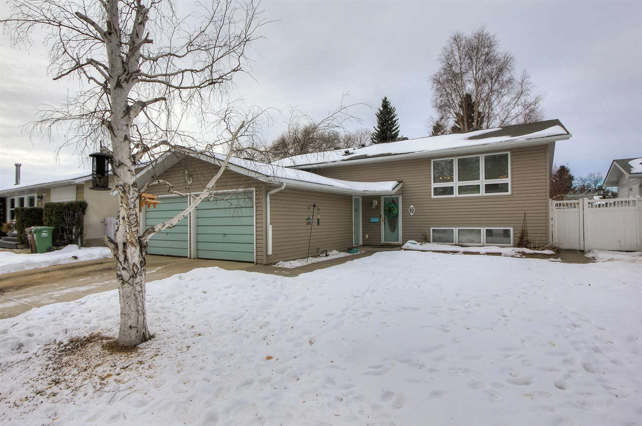 Main Photo: 7 ADDISON Crescent: St. Albert House for sale : MLS®# E4224364