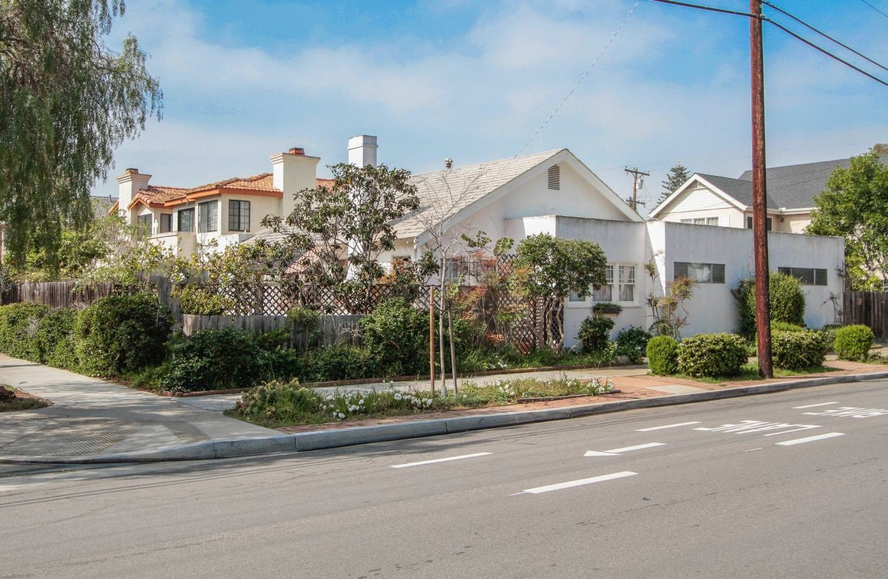 Photo 2: Photos: House for sale : 4 bedrooms : 1224 6th St. in Coronado