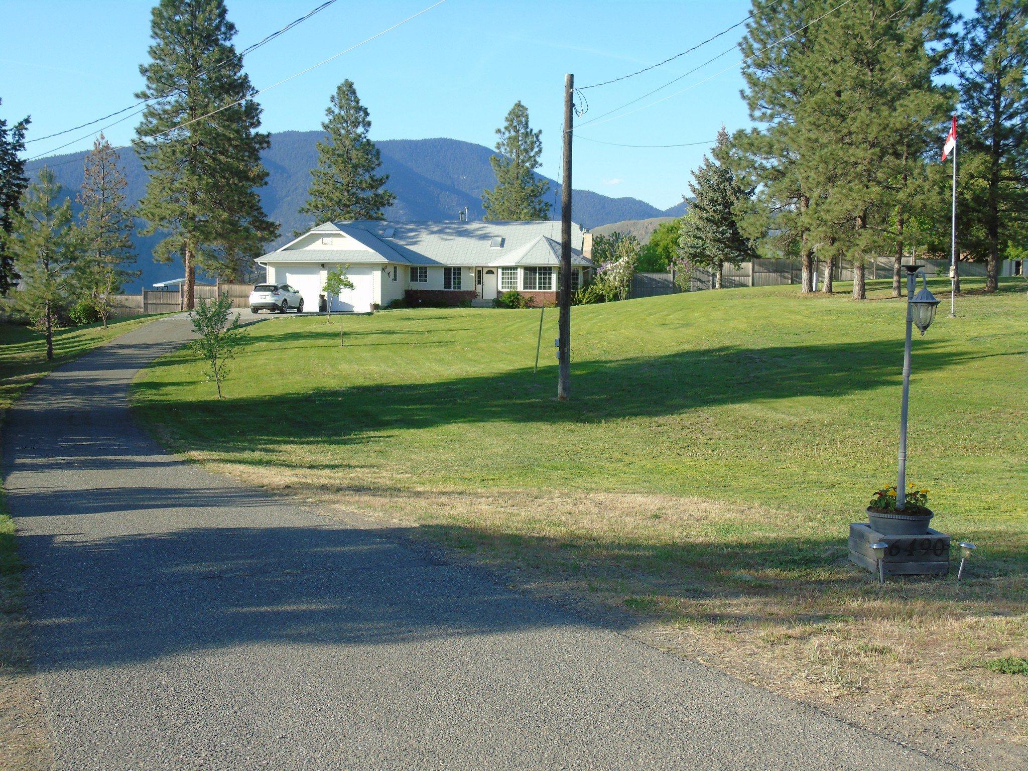 Photo 2: Photos: 6490 Barnhartvale Road in Kamloops: Barnhartvale House for sale : MLS®# New