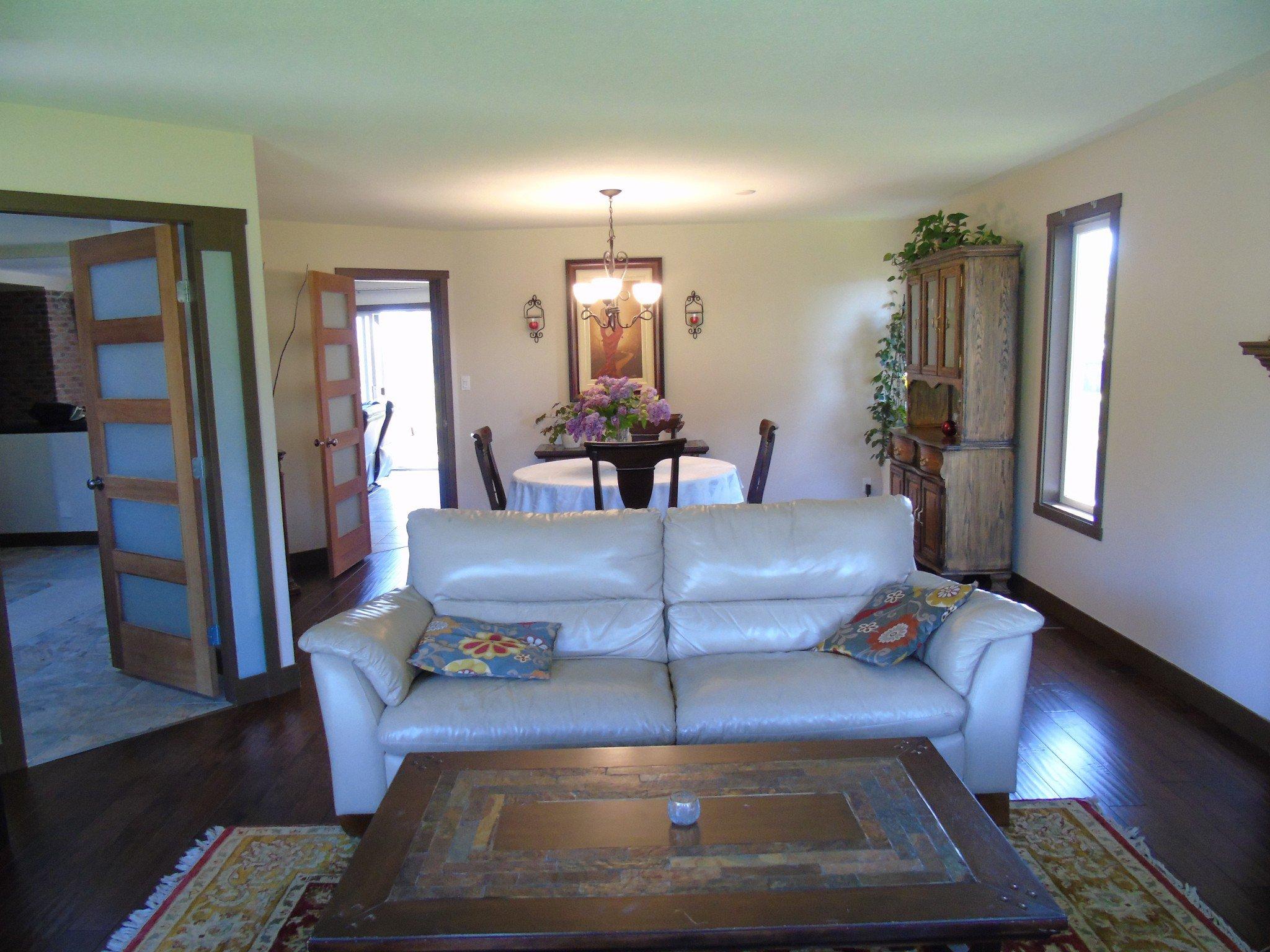 Photo 4: Photos: 6490 Barnhartvale Road in Kamloops: Barnhartvale House for sale : MLS®# New