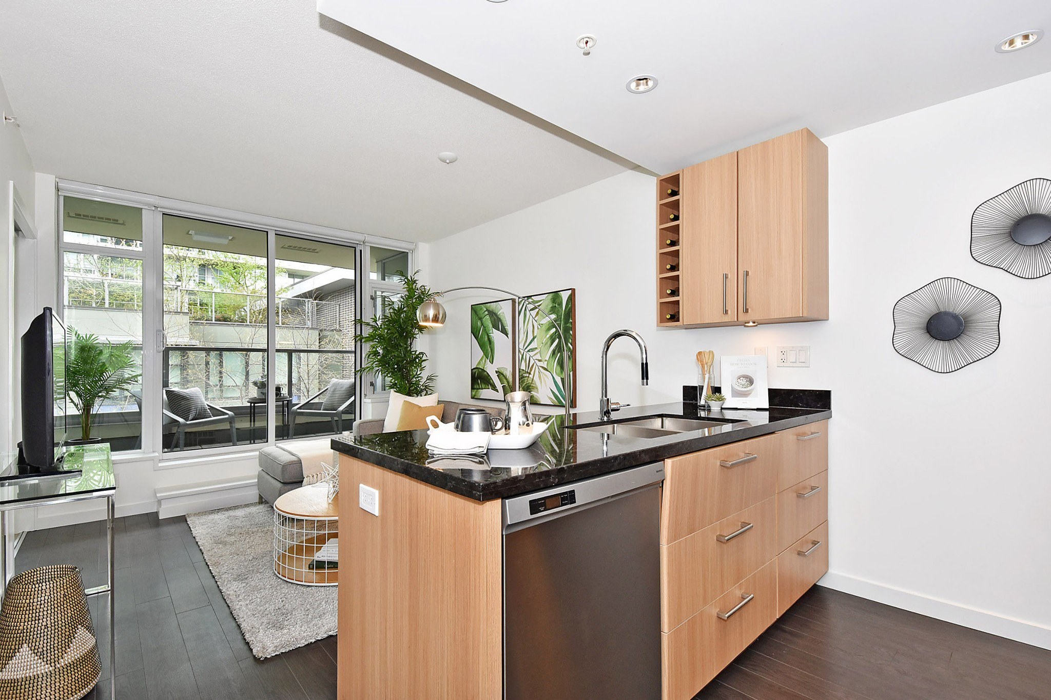 Photo 9: Photos: 306 138 W 1ST AVENUE in Vancouver: False Creek Condo for sale (Vancouver West)  : MLS®# R2360592