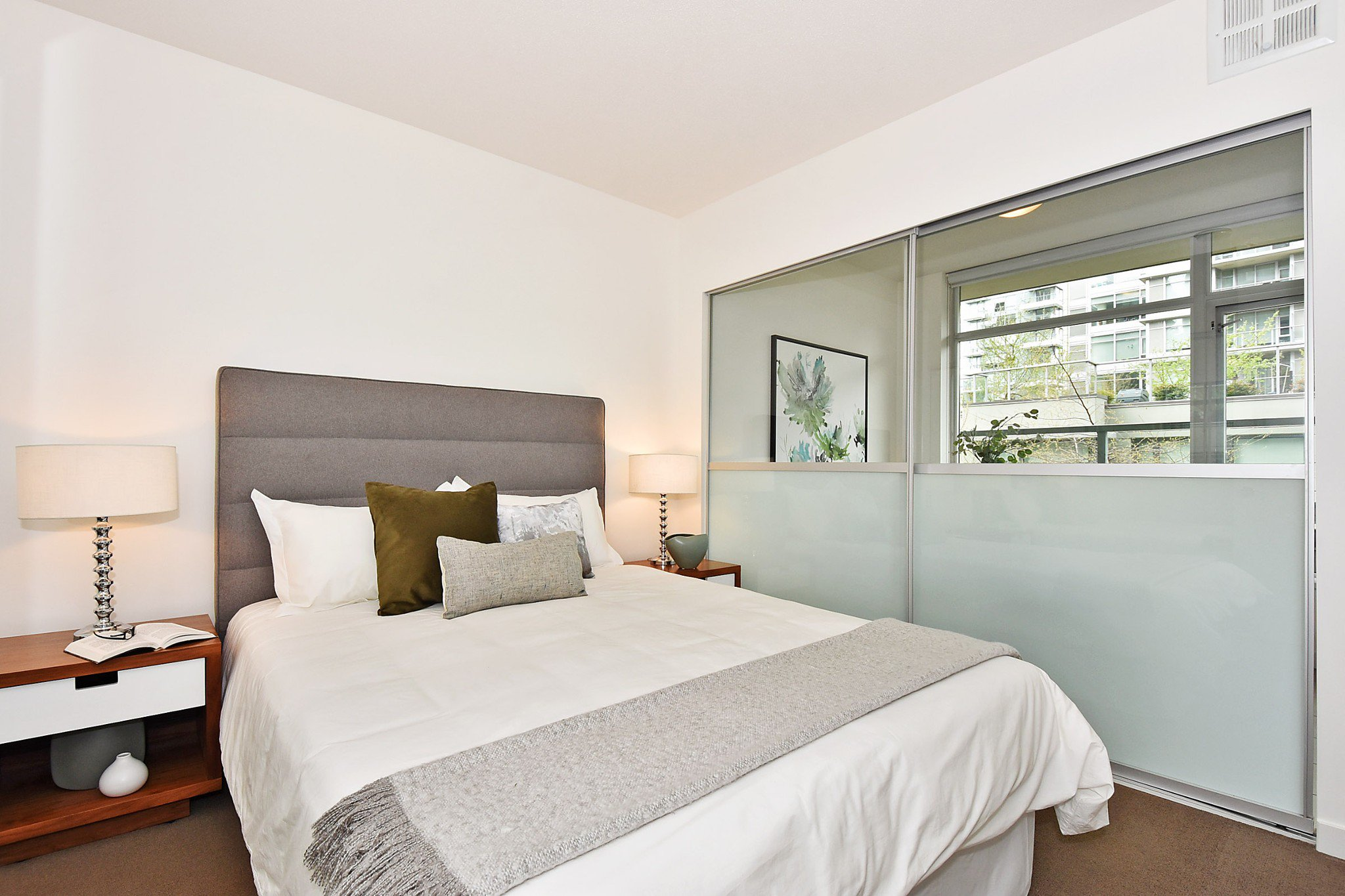 Photo 12: Photos: 306 138 W 1ST AVENUE in Vancouver: False Creek Condo for sale (Vancouver West)  : MLS®# R2360592