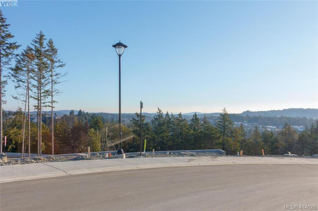 Photo 5: Photos: 2434 Azurite Crescent in : La Bear Mountain Land for sale (Langford)  : MLS®# 414628