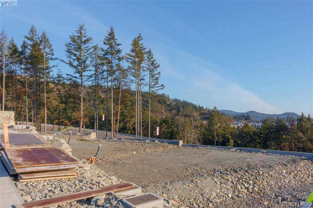 Photo 4: Photos: 2434 Azurite Crescent in : La Bear Mountain Land for sale (Langford)  : MLS®# 414628