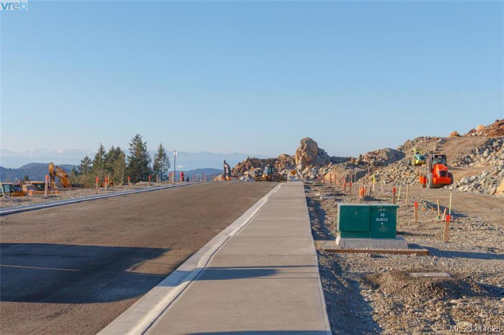 Photo 8: Photos: 2434 Azurite Crescent in : La Bear Mountain Land for sale (Langford)  : MLS®# 414628