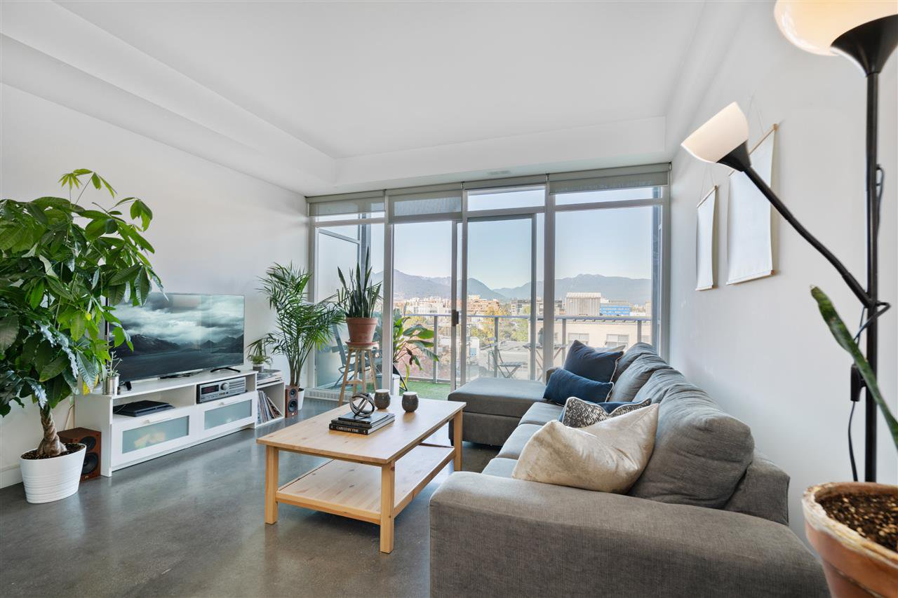 """Main Photo: 514 256 E 2ND Avenue in Vancouver: Mount Pleasant VE Condo for sale in """"The Jacobsen"""" (Vancouver East)  : MLS®# R2412612"""