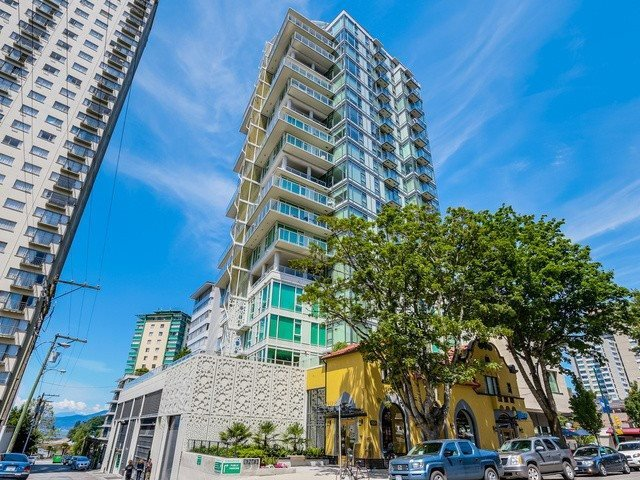 """Main Photo: 1905 1221 BIDWELL Street in Vancouver: West End VW Condo for sale in """"Alexandra"""" (Vancouver West)  : MLS®# R2415901"""