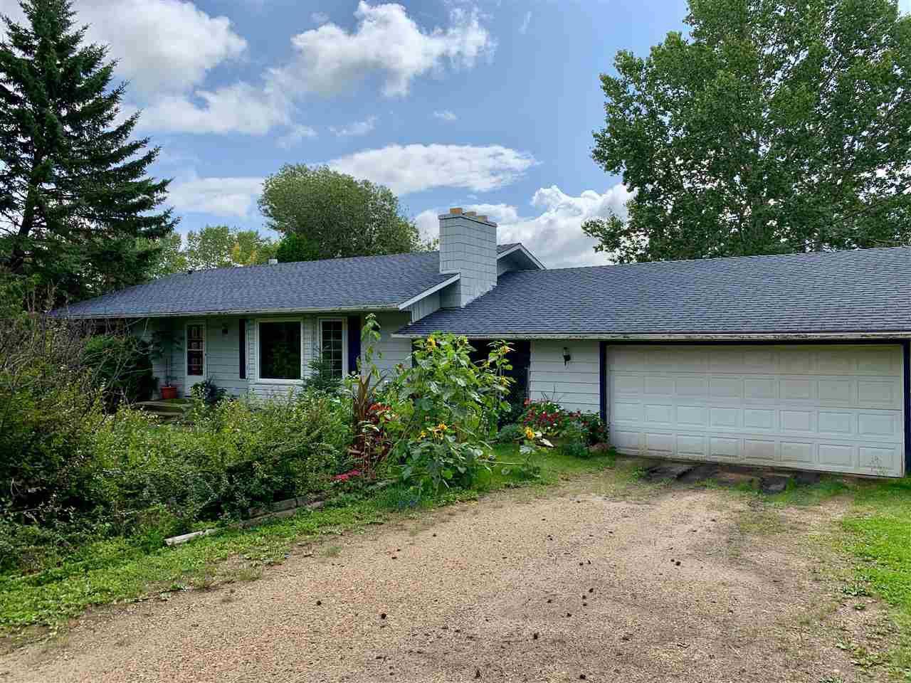 Main Photo: 51 SHULTZ Drive: Rural Sturgeon County House for sale : MLS®# E4189992