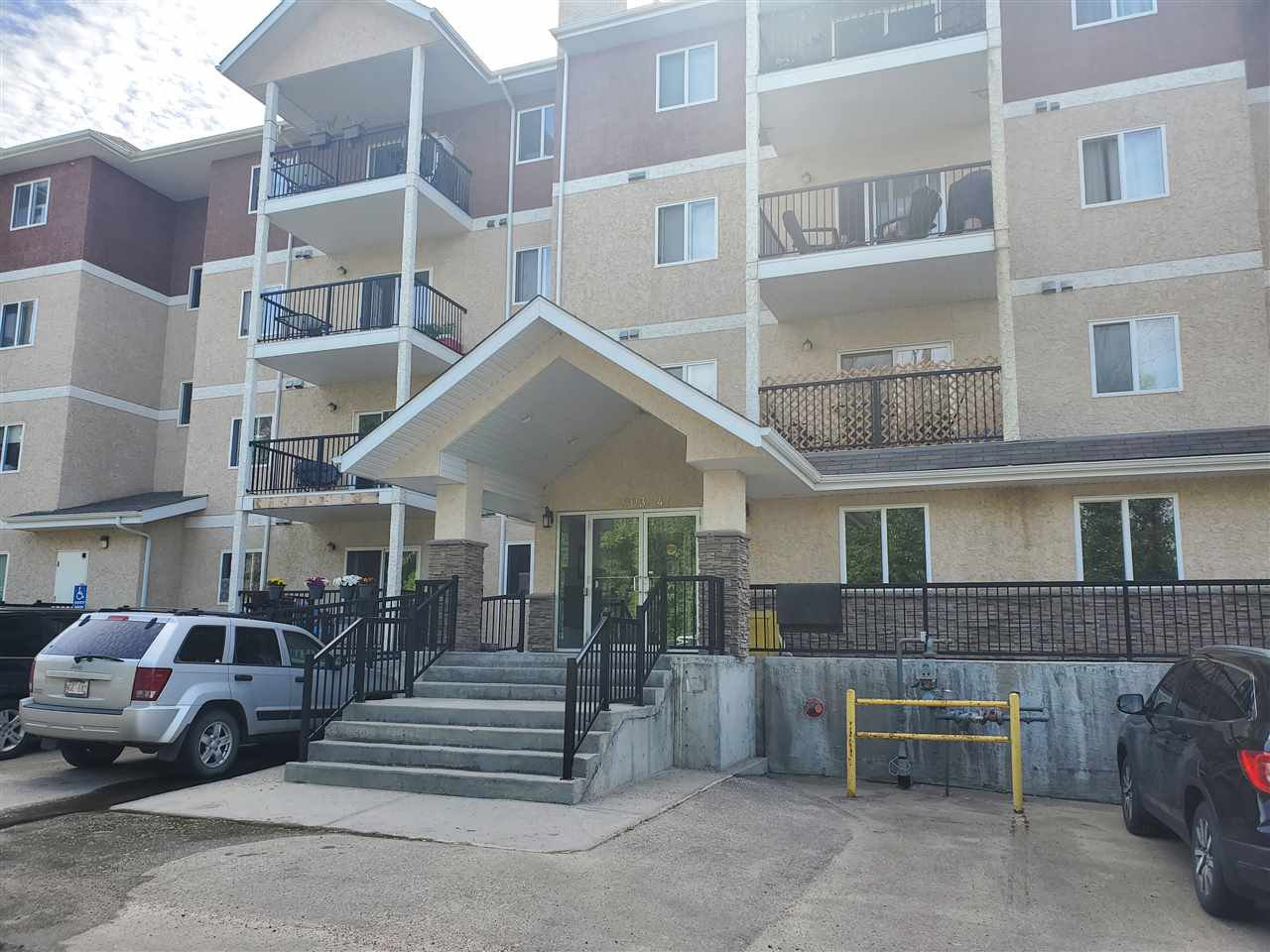 Main Photo: 101 4903 47 Avenue: Stony Plain Condo for sale : MLS®# E4202473