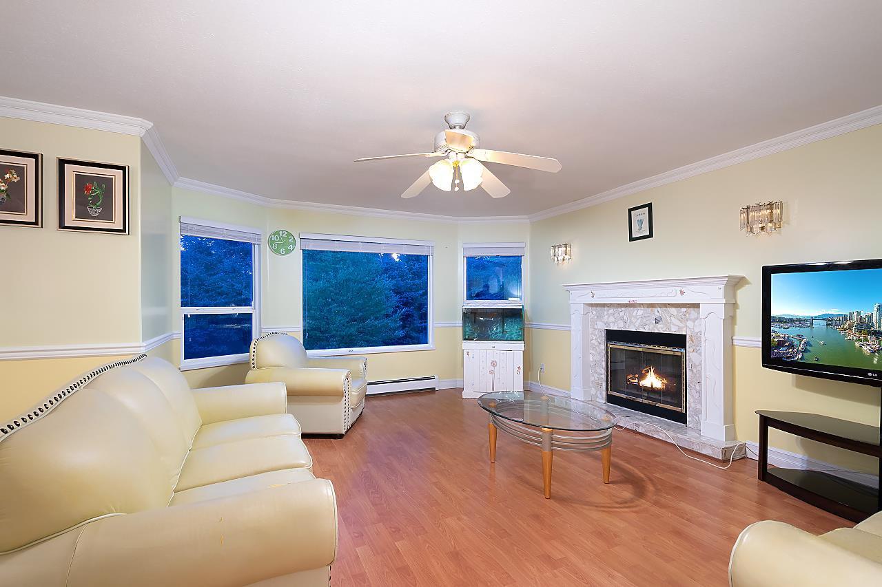Main Photo: 10403 127 Street in Surrey: Cedar Hills House for sale (North Surrey)  : MLS®# R2483764