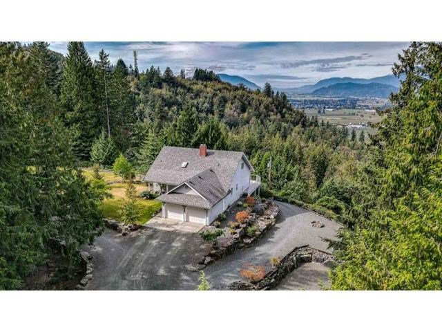 Main Photo: 6270 RYDER LAKE Road in Chilliwack: Ryder Lake House for sale (Sardis)  : MLS®# R2526035