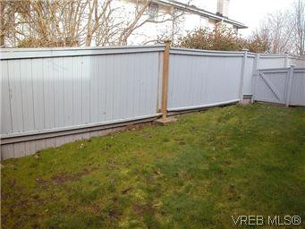 Photo 11: Photos: 10 3341 Mary Anne Cres in VICTORIA: Co Triangle Row/Townhouse for sale (Colwood)  : MLS®# 602437