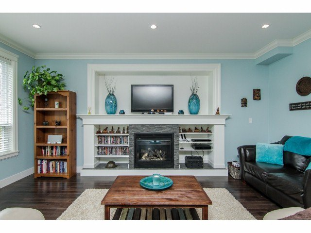 """Photo 2: Photos: 7820 211B Avenue in Langley: Willoughby Heights House for sale in """"YORKSON SOUTH"""" : MLS®# F1418257"""