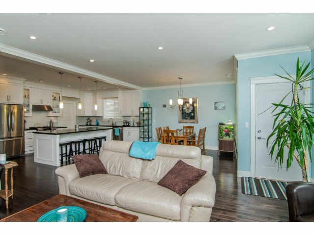 """Photo 4: Photos: 7820 211B Avenue in Langley: Willoughby Heights House for sale in """"YORKSON SOUTH"""" : MLS®# F1418257"""