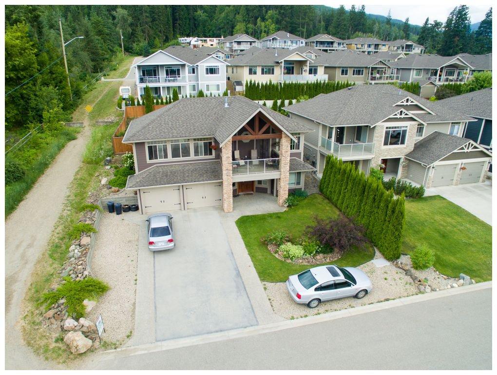 Main Photo: 1020 Southwest 23 Avenue in Salmon Arm: The Ridge House for sale (SW Salmon Arm)  : MLS®# 10097166