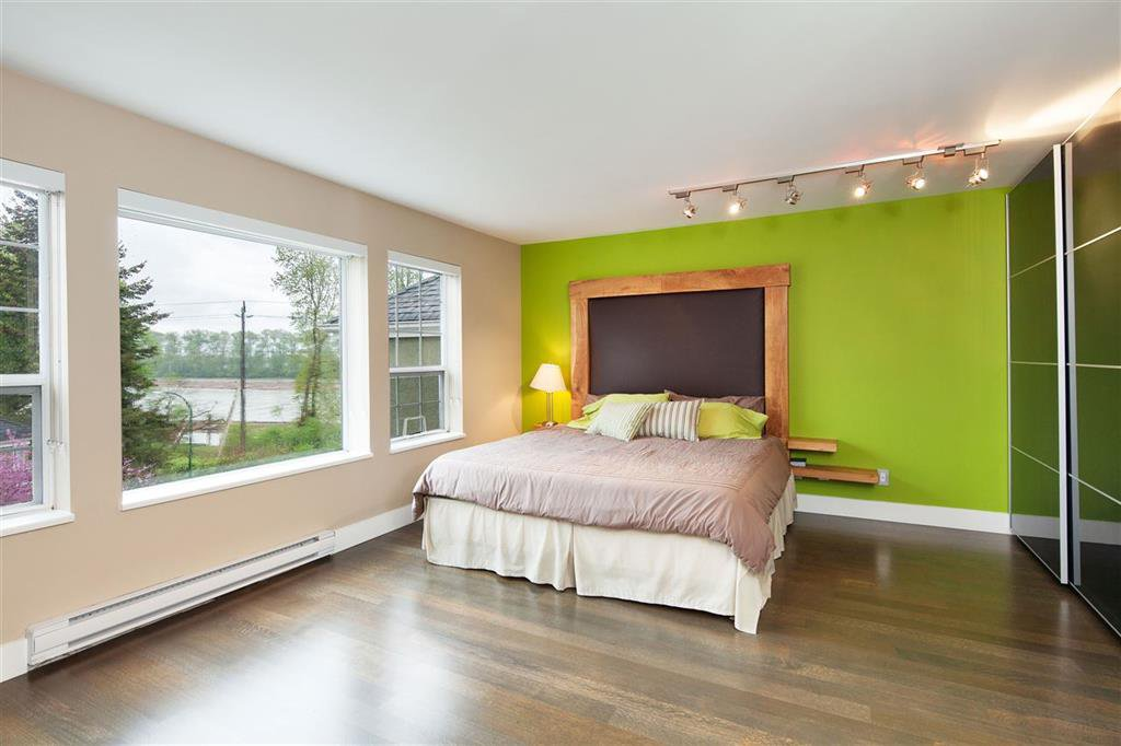 Photo 10: Photos: 8481 Quayside Court in Vancouver: Fraserview VE Townhouse  (Vancouver East)  : MLS®# R2057386