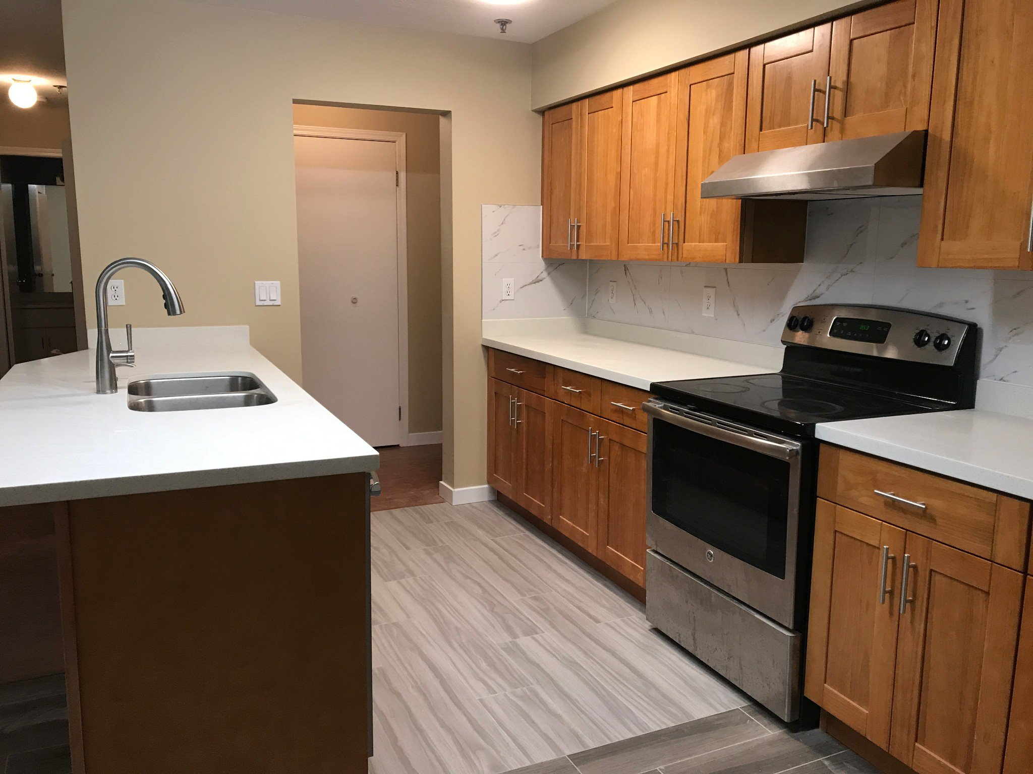 Photo 2: Photos: #309 2130 McKenzie Rd. in Abbotsford: Central Abbotsford Condo for rent