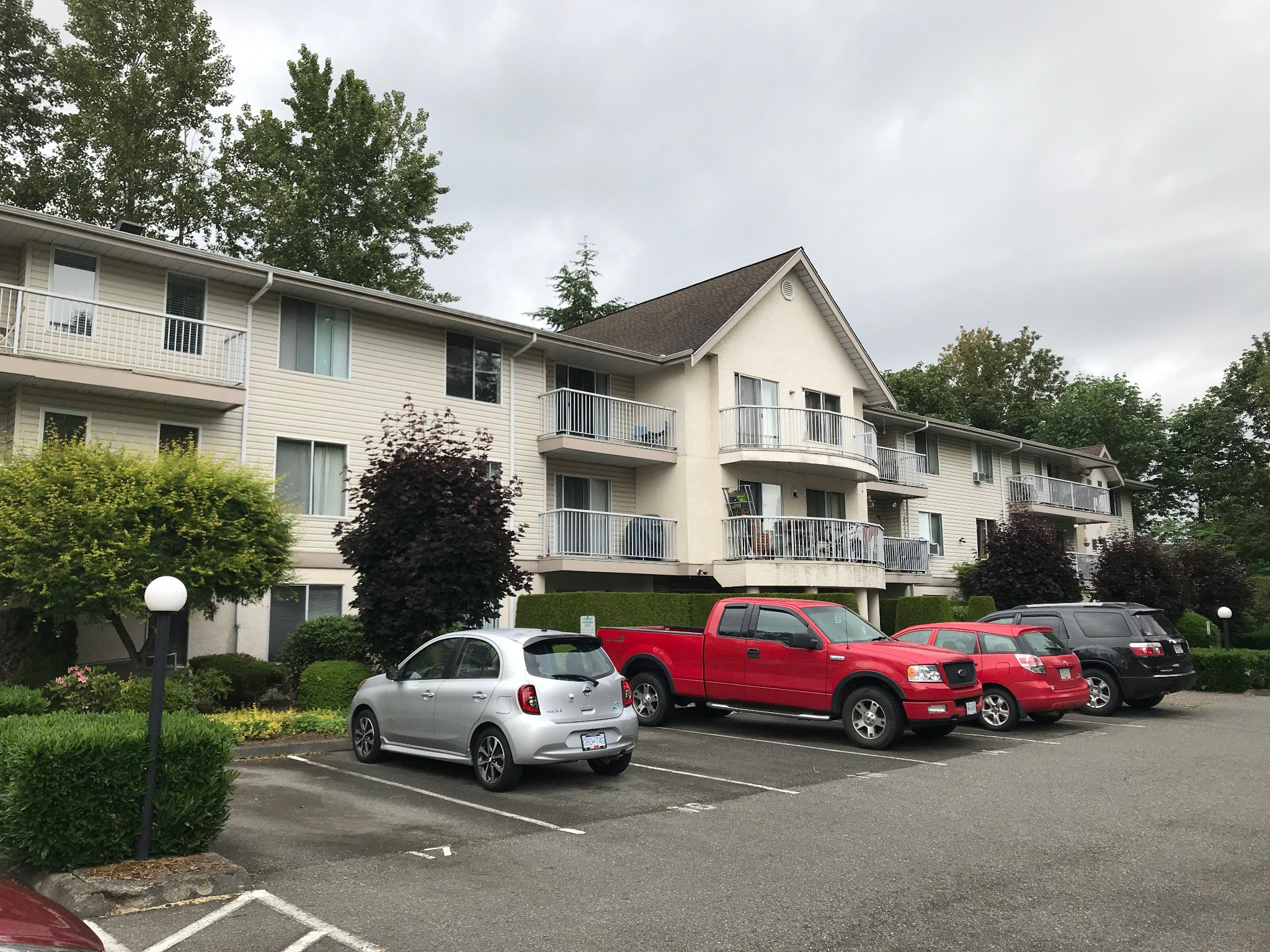 Main Photo: #309 2130 McKenzie Rd. in Abbotsford: Central Abbotsford Condo for rent
