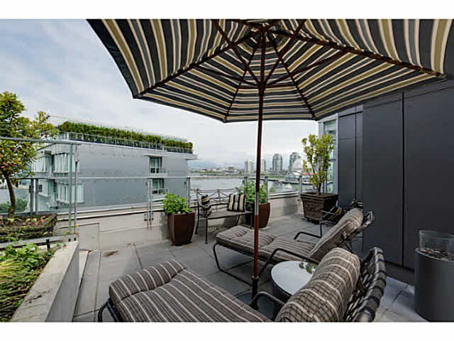 Main Photo: 602 150 ATHLETES WAY in : False Creek Condo for sale : MLS®# V1127559