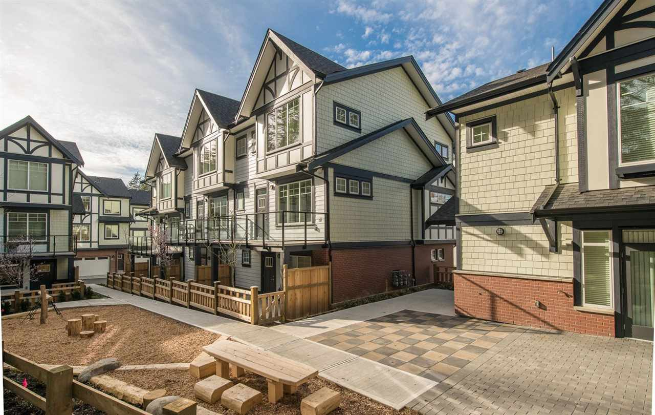 """Main Photo: 18 11188 72 Avenue in Delta: Sunshine Hills Woods Townhouse for sale in """"CHELSEA GATE"""" (N. Delta)  : MLS®# R2396591"""