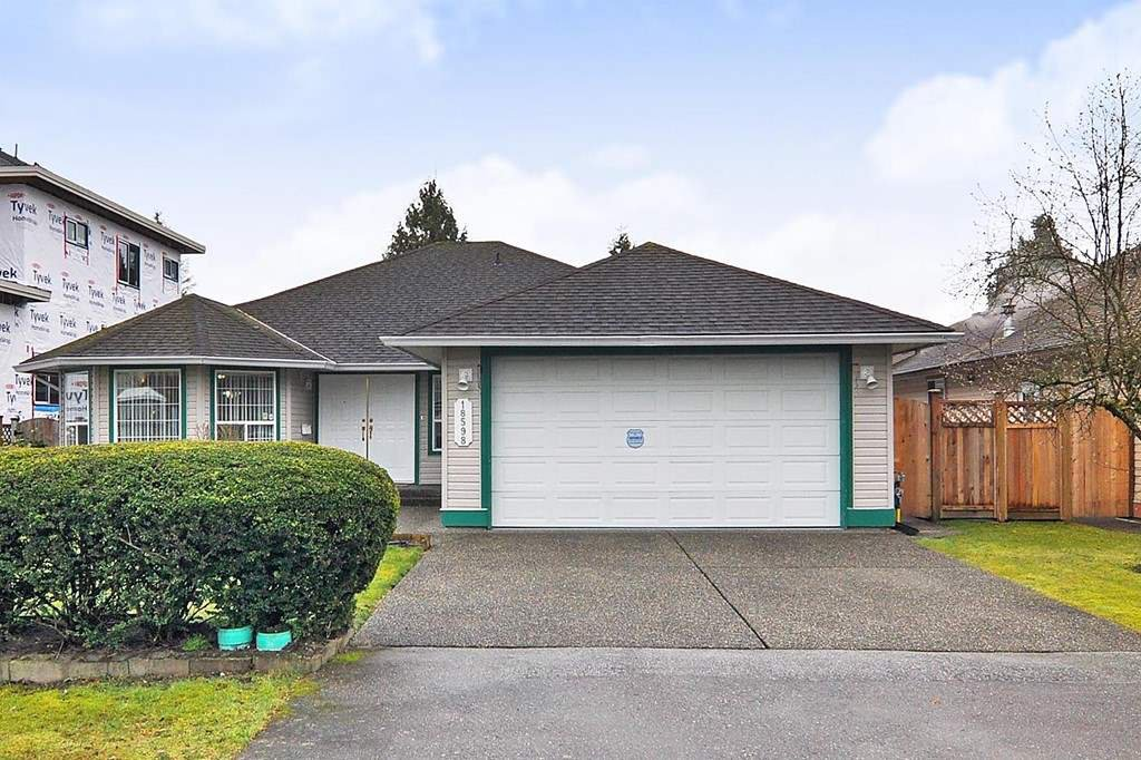 "Main Photo: 18598 58 Avenue in Surrey: Cloverdale BC House for sale in ""CLOVERDALE"" (Cloverdale)  : MLS®# R2439843"