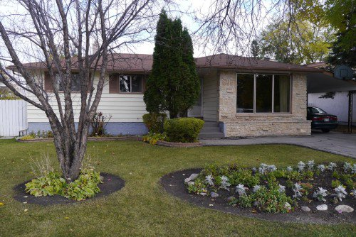 Main Photo: 252 Rochester Avenue in Winnipeg: Fort Garry / Whyte Ridge / St Norbert Residential for sale (South Winnipeg)  : MLS®# 1323439