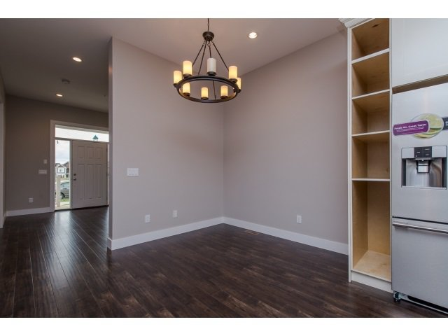 Photo 10: Photos: 4328 STEPHEN LEACOCK DRIVE in Abbotsford: Abbotsford East House for sale : MLS®# R2001619