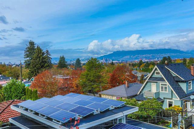 Main Photo: 2623 E 29th Avenue in Vancouver: Collingwood VE House for sale (Vancouver East)  : MLS®# R2142849