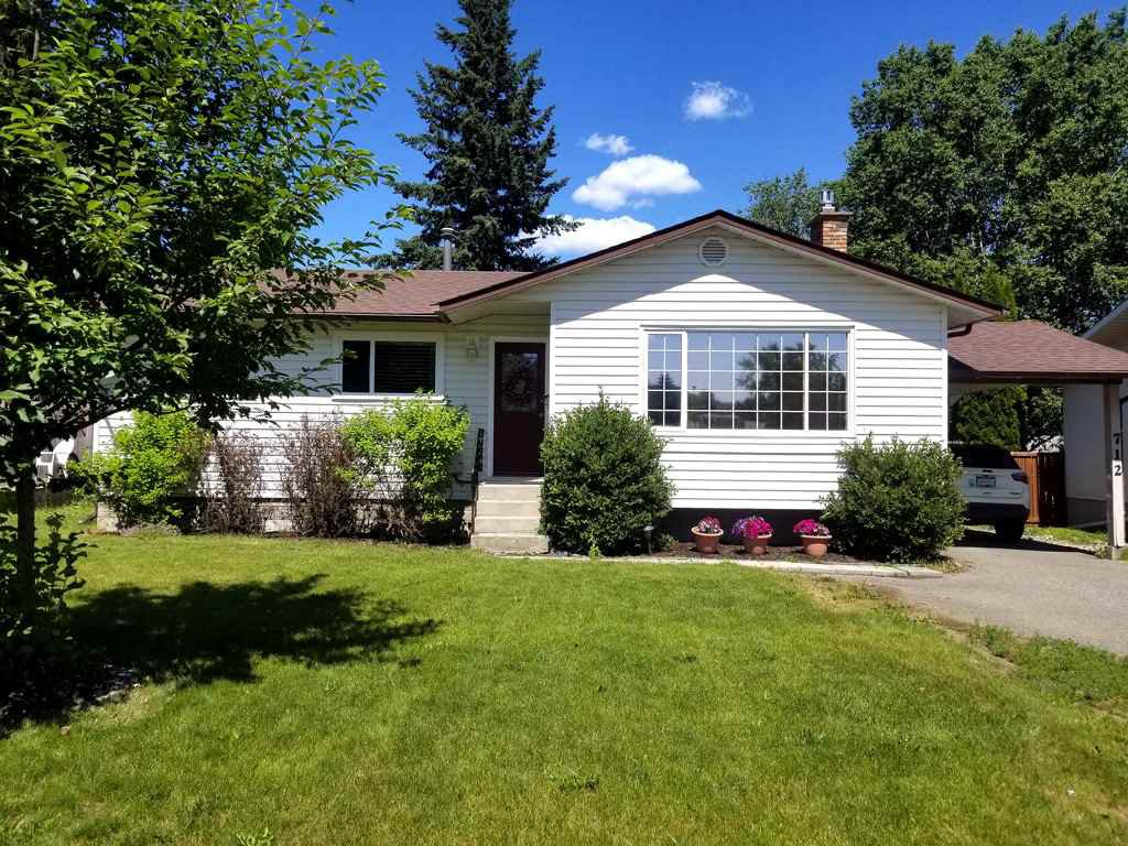 Main Photo: 712 OCHAKWIN Crescent in Prince George: Foothills House for sale (PG City West (Zone 71))  : MLS®# R2390547