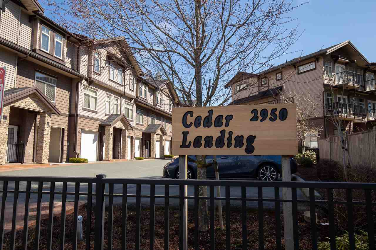 "Main Photo: 7 2950 LEFEUVRE Road in Abbotsford: Aberdeen Townhouse for sale in ""Cedar Landing"" : MLS®# R2462151"