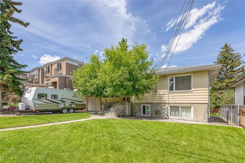 Main Photo: 2032 36 Avenue SW in Calgary: Altadore Detached for sale : MLS®# C4305094