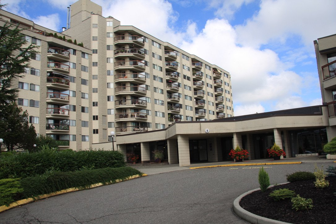 Main Photo: 821 31955 Old Yale Road in : Abbotsford West Condo for sale (Abbotsford)  : MLS®# R2490358