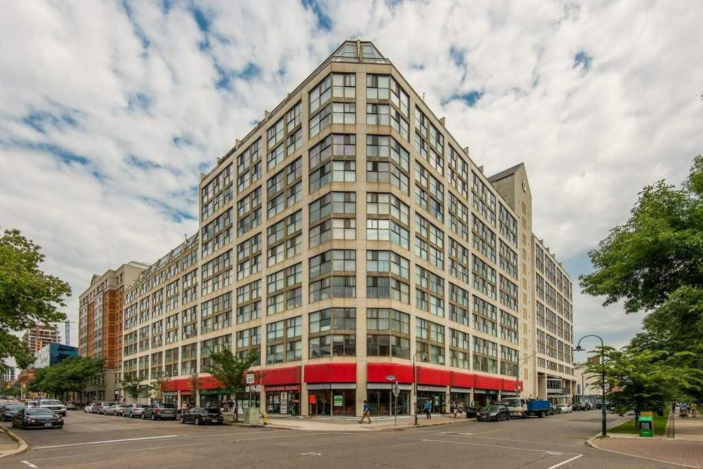 Main Photo: 711 222 The Esplanade Street in Toronto: Waterfront Communities C8 Condo for sale (Toronto C08)  : MLS®# C4900923