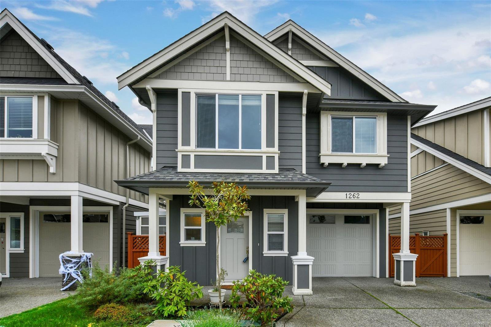 Main Photo: 1262 McLeod Pl in : La Happy Valley House for sale (Langford)  : MLS®# 858707