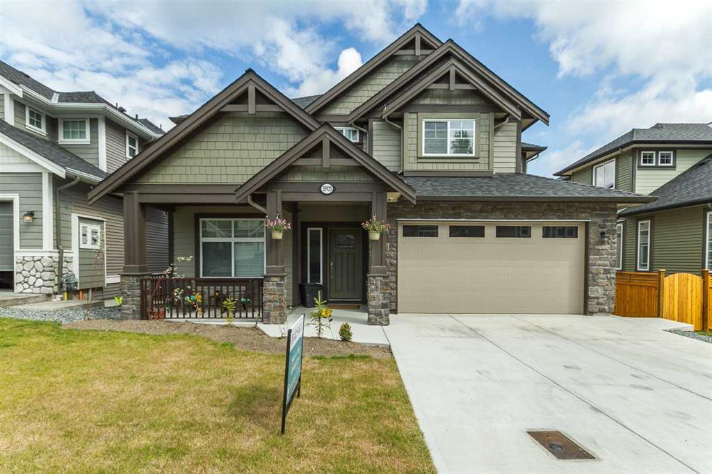 Main Photo: 33925 McPhee Place in Mission: House for sale : MLS®# R2519119