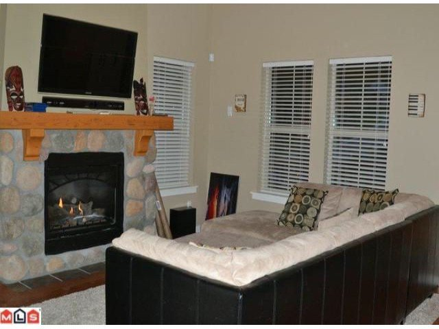 Main Photo: 1822 CHERRY TREE Lane: Lindell Beach House for sale (Cultus Lake)  : MLS®# H1201978