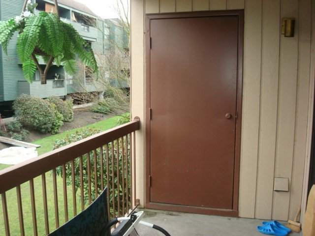 """Photo 6: Photos: 126 8500 ACKROYD Road in Richmond: Brighouse Condo for sale in """"WESTHAMPTON COURT"""" : MLS®# V992566"""