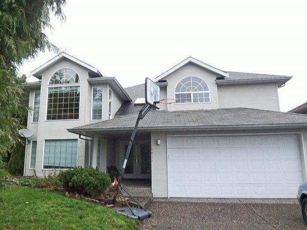 """Main Photo: 16011 14 Avenue in Surrey: King George Corridor House for sale in """"Sunnyside"""" (South Surrey White Rock)  : MLS®# F1418242"""