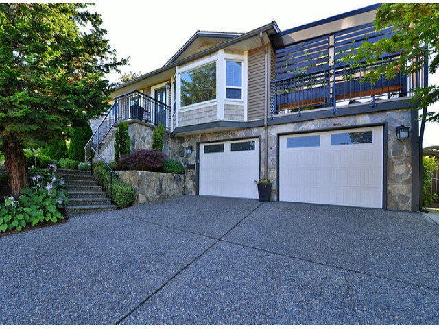 """Main Photo: 3667 HURST Crescent in Abbotsford: Abbotsford East House for sale in """"Bateman"""" : MLS®# F1418526"""