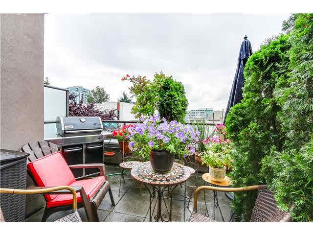 """Photo 7: Photos: 201 118 E 2ND Street in North Vancouver: Lower Lonsdale Condo for sale in """"The Evergreen"""" : MLS®# V1077548"""