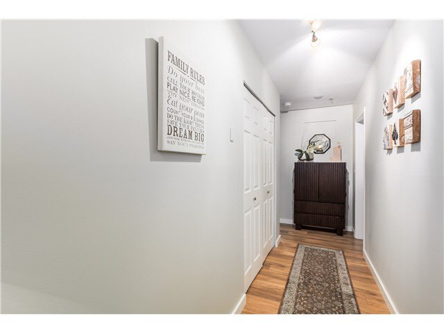 """Photo 16: Photos: 201 118 E 2ND Street in North Vancouver: Lower Lonsdale Condo for sale in """"The Evergreen"""" : MLS®# V1077548"""