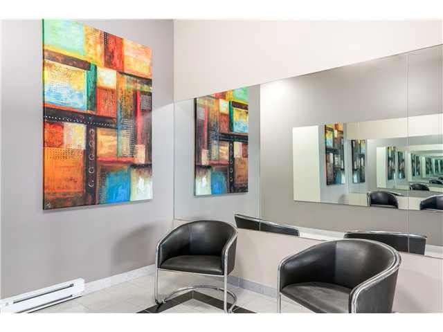 """Photo 3: Photos: 201 118 E 2ND Street in North Vancouver: Lower Lonsdale Condo for sale in """"The Evergreen"""" : MLS®# V1077548"""