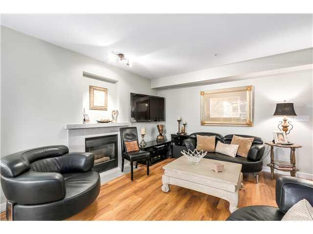 """Photo 5: Photos: 201 118 E 2ND Street in North Vancouver: Lower Lonsdale Condo for sale in """"The Evergreen"""" : MLS®# V1077548"""