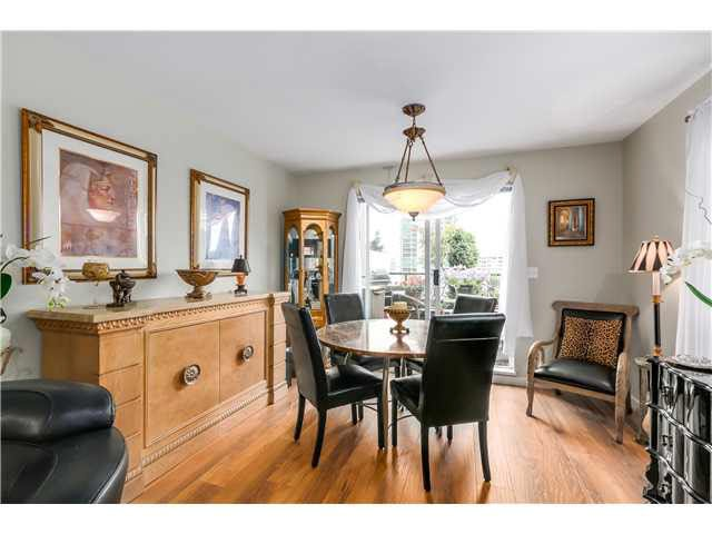 """Photo 6: Photos: 201 118 E 2ND Street in North Vancouver: Lower Lonsdale Condo for sale in """"The Evergreen"""" : MLS®# V1077548"""