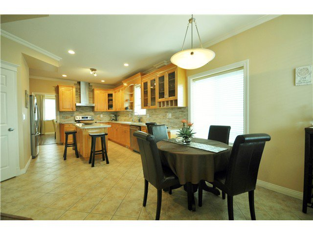 Photo 8: Photos: 7871 CUMBERLAND ST in Burnaby: East Burnaby House for sale (Burnaby East)  : MLS®# V1102281