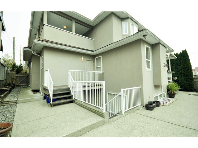 Photo 18: Photos: 7871 CUMBERLAND ST in Burnaby: East Burnaby House for sale (Burnaby East)  : MLS®# V1102281
