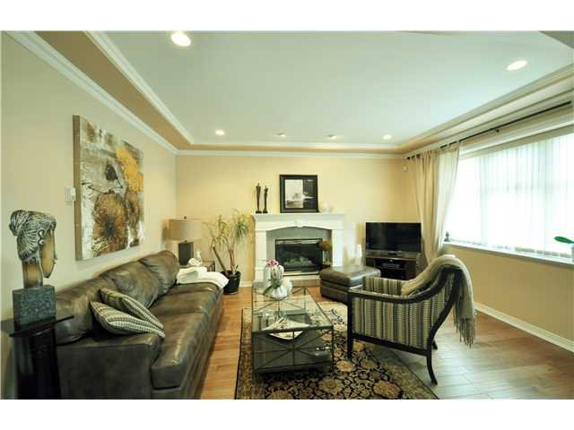 Photo 3: Photos: 7871 CUMBERLAND ST in Burnaby: East Burnaby House for sale (Burnaby East)  : MLS®# V1102281